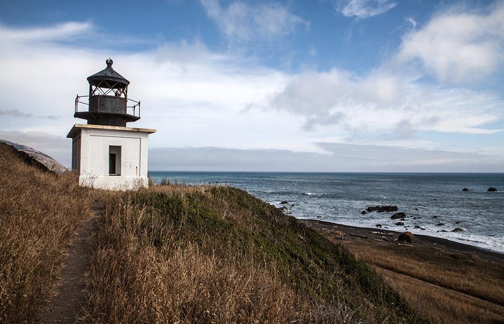 Nanu, ist hier irgendwo ein Kurort? Nein, der Leuchtturm von Punta Gorda ist keine Deko. Er wurde 19
