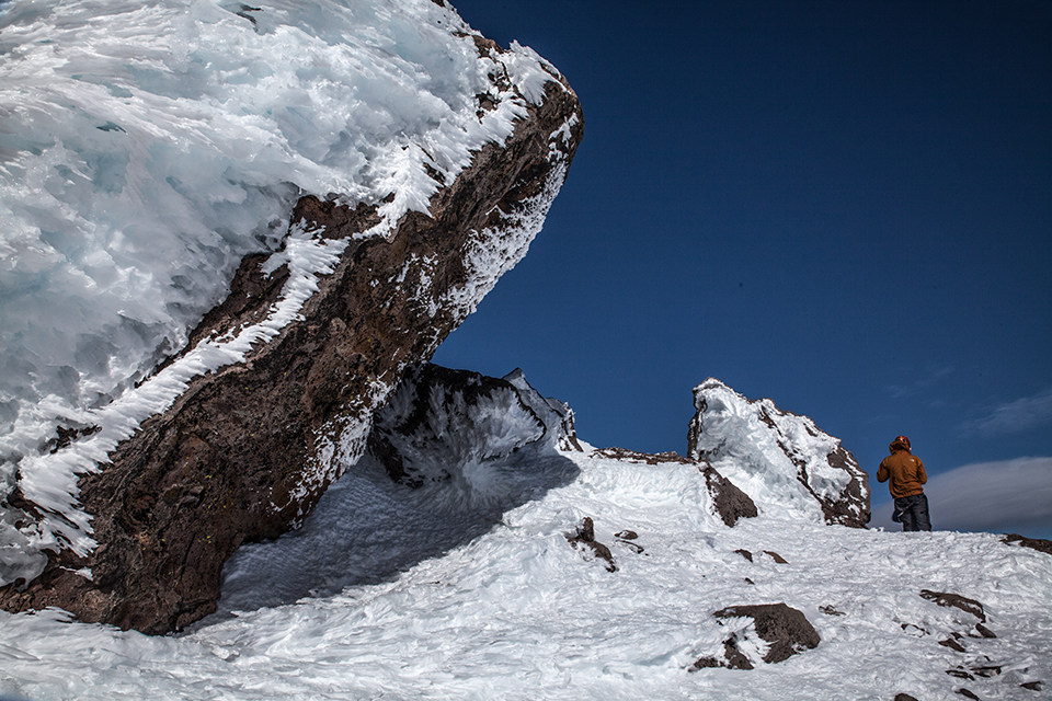 climbing mount shasta in winter